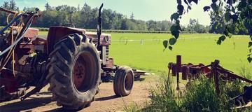 RootsandWings-Tractor
